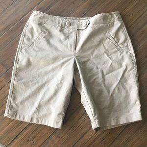 Ann Taylor Petites 6P tan signature fit shorts